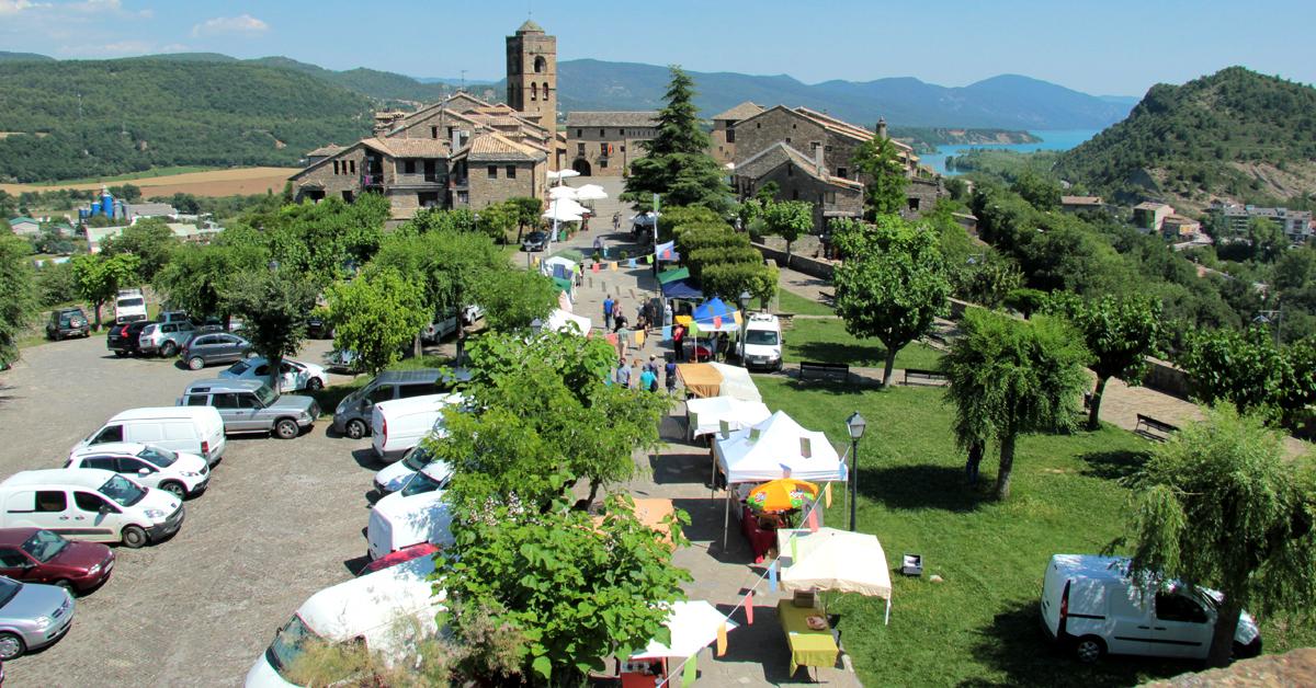 Los Mercados Agroalimentarios del Pirineo hacen parada en Aínsa
