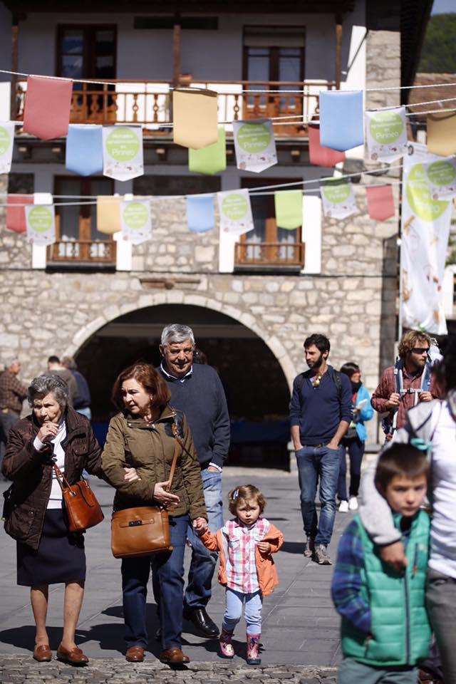 Mercado Agroalimentario Hecho - Hecho En Los Pirineos